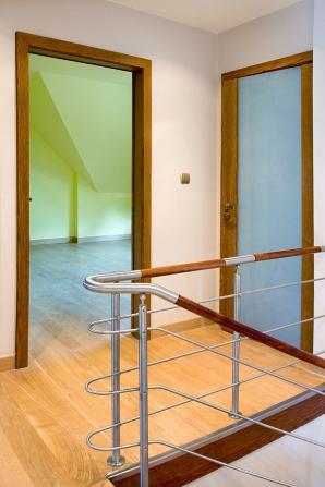 przejcie-balustrady-ze-spoczniuka-w-bieg-schodowy-elementy-stalowe-gite-na-podstawie-rysunkw